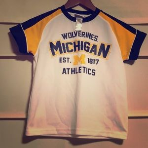 Boys Michigan T-shirt. Like new.